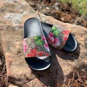 GUCCI Bloom Slides (size 36)